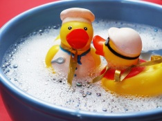 bath-splashing-ducks-joy-160992